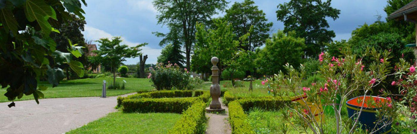 P-12994-F218006117_parc-du-chateau-de-brosse-dorlisheim.jpg