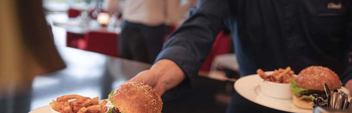 P-14719-F218008637_restaurant-chez-claude-braise-et-rotisserie-dorlisheim.jpg